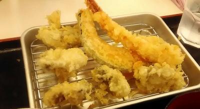 Let's eat freshly-fried tempura!