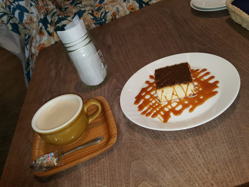 new york style of chees cake and cafe au late20180927_161609